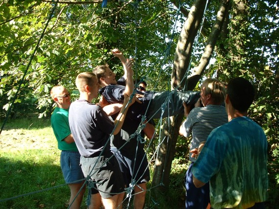 Team Building on the spiders web.